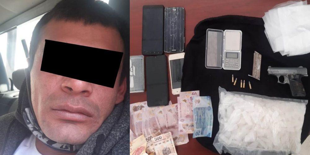 Cae distribuidor con 1 kilo de crystal, arma, dinero y báscula en Tepezalá