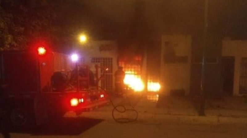 Balean y queman casa en Celaya, 4 muertos entre ellos 1 bebé