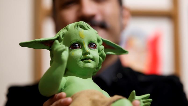 Mexicano convierte al Niño Dios en Baby Yoda