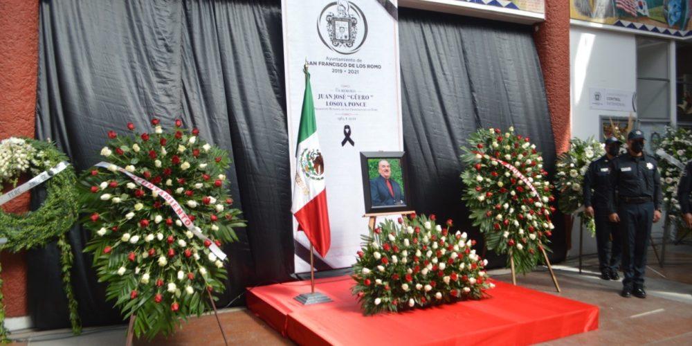 """Rinden homenaje póstumo a Juan José """"El Güero"""" Losoya"""