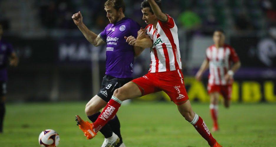 Necaxa debuta con derrota ante Mazatlán