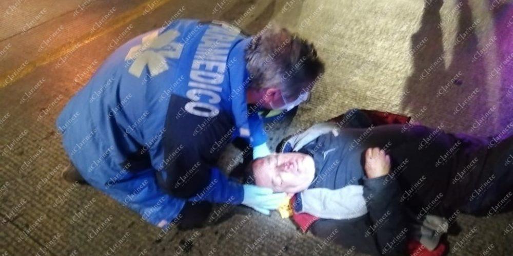 Agoniza motociclista tras caída en puente del Infonavit Morelos