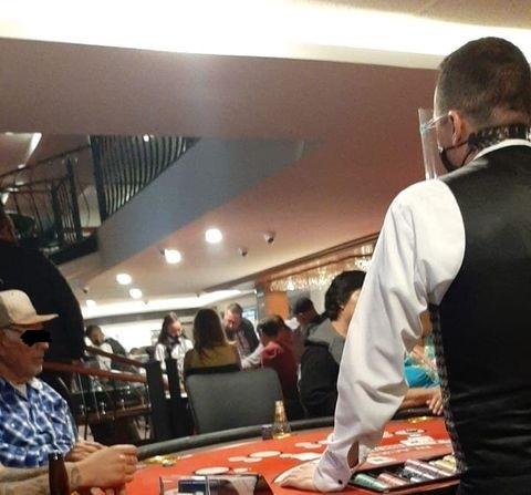 Denuncian al casino Winclub  por no respetar horarios del decreto por pandemia