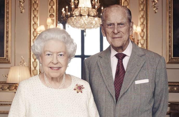 Hospitalizan al príncipe Felipe, esposo de la reina Isabel II