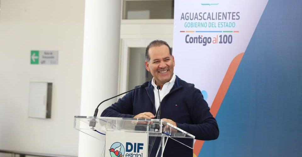 Acusa Orozco al Gobierno Federal de frenar inversiones en energías limpias