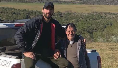 Encuentran muerto al padre del portero Alisson Becker