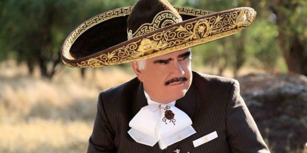 Vicente Fernández señala que fue acosado por una mujer