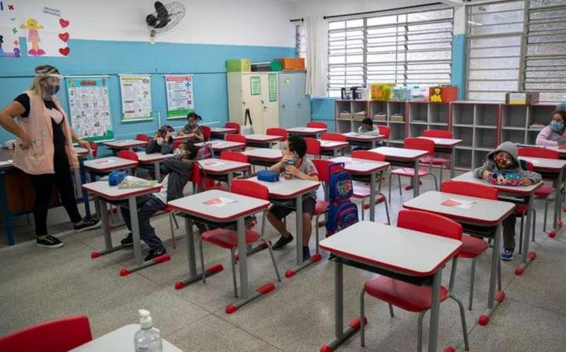 Gobierno de México analiza esquema de reapertura de escuelas en pandemia
