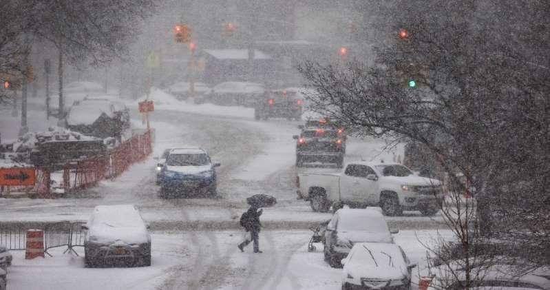 """EU declara  """"desastre mayor"""" en Texas por tormenta invernal que ya dejó 59 muertos"""