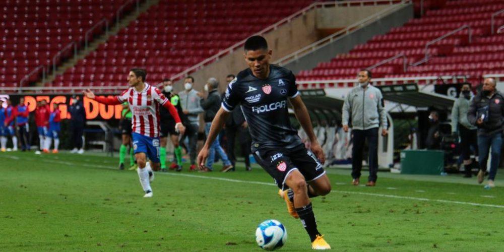 Chivas le arranca el empate a Necaxa de último minuto