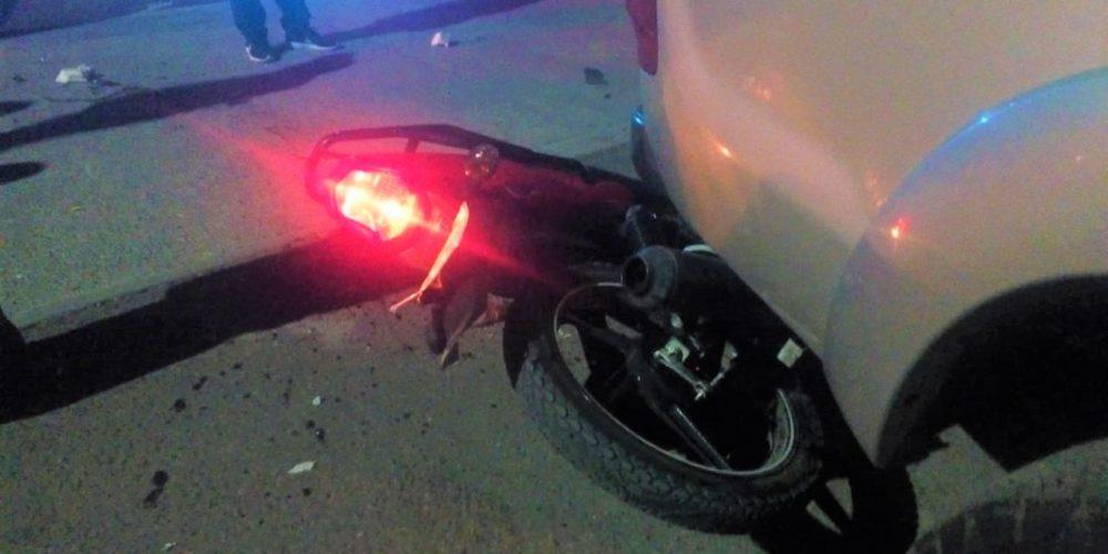 Motociclista termina grave tras ser chocado por un auto