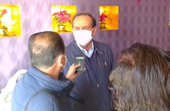 Se le ocurrió al Mosco Reyes invitar a embajador de Australia para detallar control de pandemia