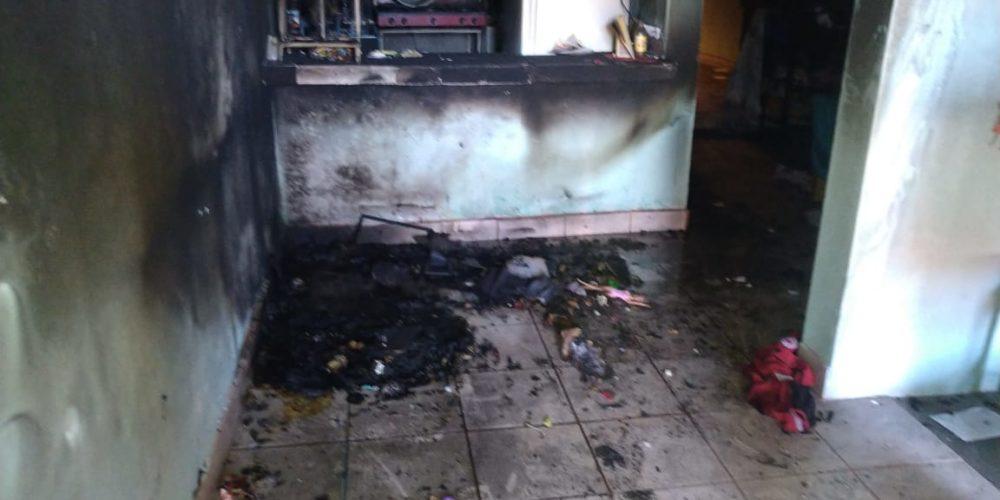 Checa lo que publicó en FB la madre que incendió su casa con sus hijos dentro antes de suicidarse