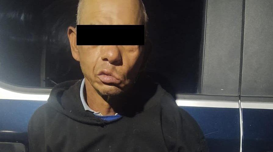 Detienen a sujeto por atentados al pudor y distribución de drogas en Cosío