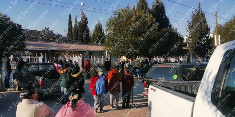 Funcionario de la Secretaría de Bienestar convoca a amigos y familiares para vacuna en Tepezalá