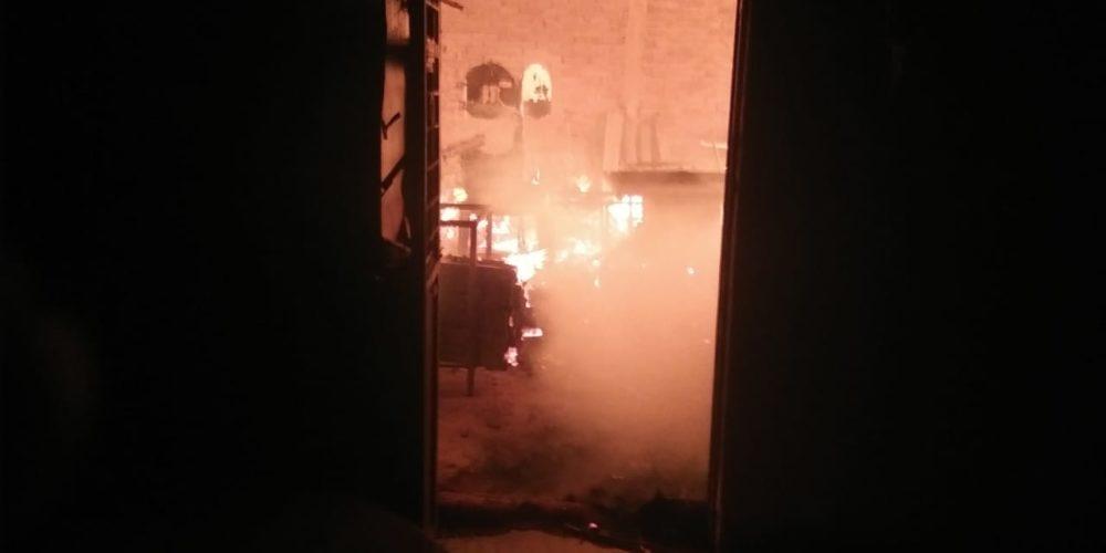 Incendio deja daños en carpintería de Jesús María