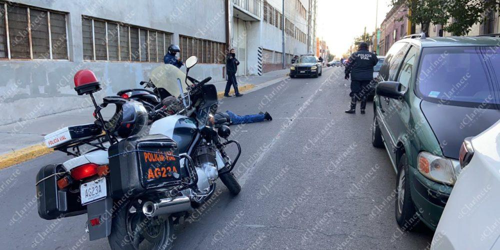 Motociclista chocó contra vehículo estacionado en el Barrio del Encino; está grave