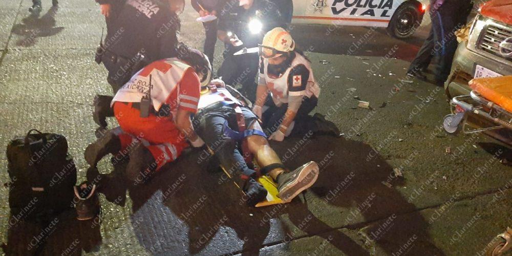 Cafre se pasó el semáforo en rojo y embistió a motociclista en Fundición