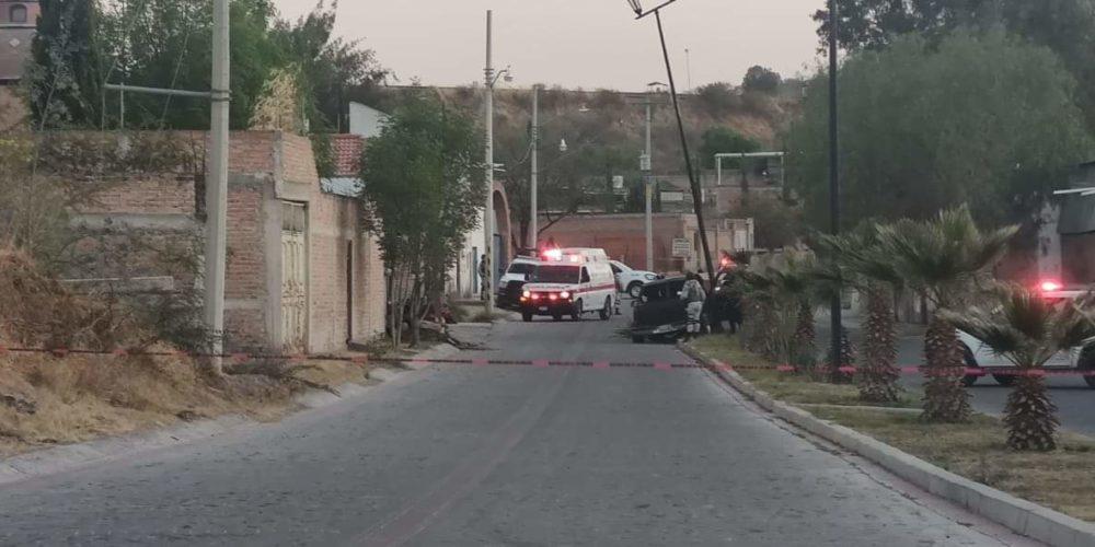 Ejecutan a hombre en su camioneta en La Chona