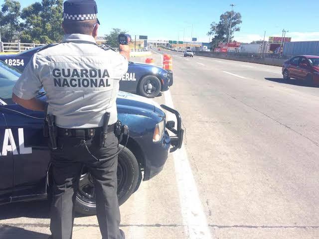 Empistolados se llevan camioneta en la 45 norte. La hallan en Zacatecas