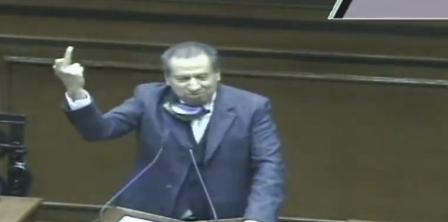 CEN del PVEM exige disculpa pública a su diputado Sergio Augusto López