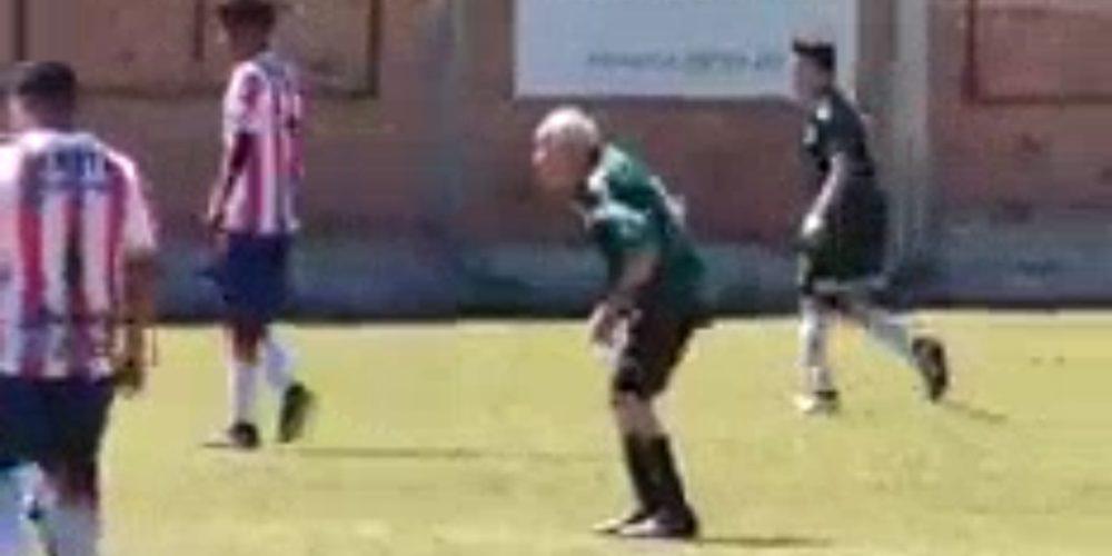 (Video)Santiago Fernández, ejemplo de vida, juega fútbol a los 85 años en Aguascalientes