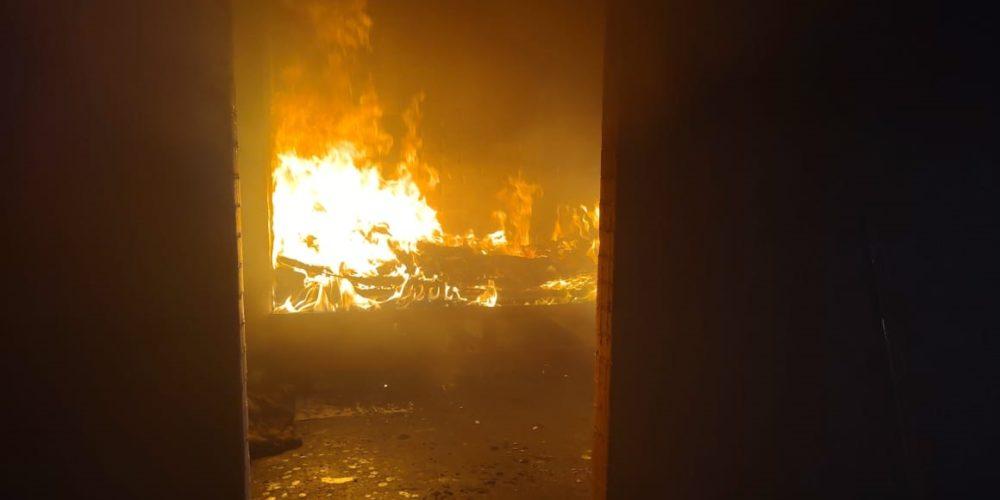 Se registra incendio de casa habitación en Lomas del Ajedrez