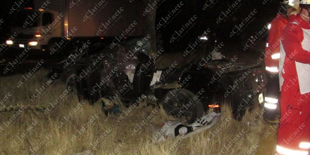 Regresaban de un convivio y chocaron en la 45 Sur; 1 muerto y 3 heridos