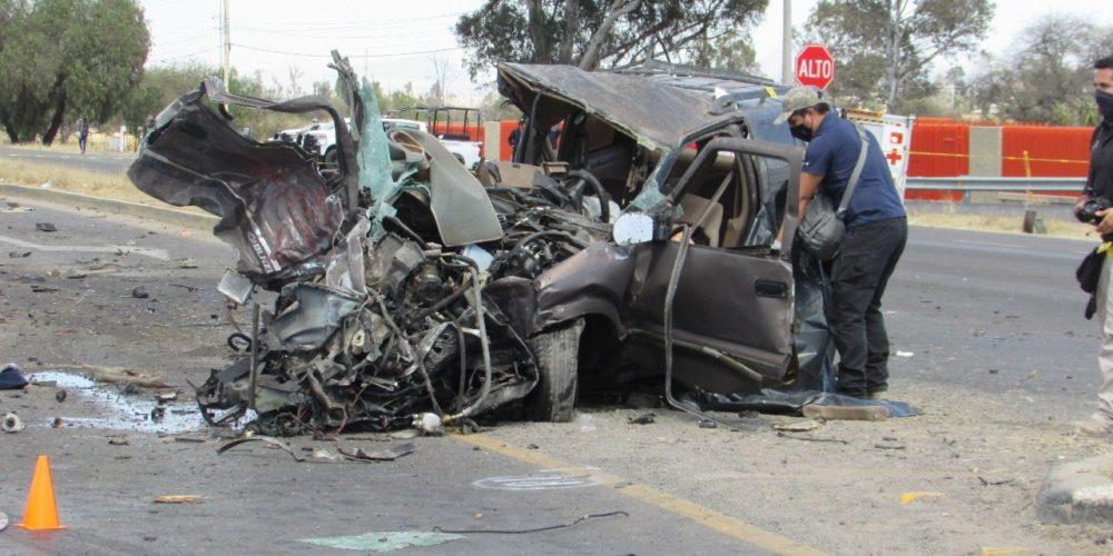 Accidente deja 3 muertos y 2 heridos en Aguascalientes
