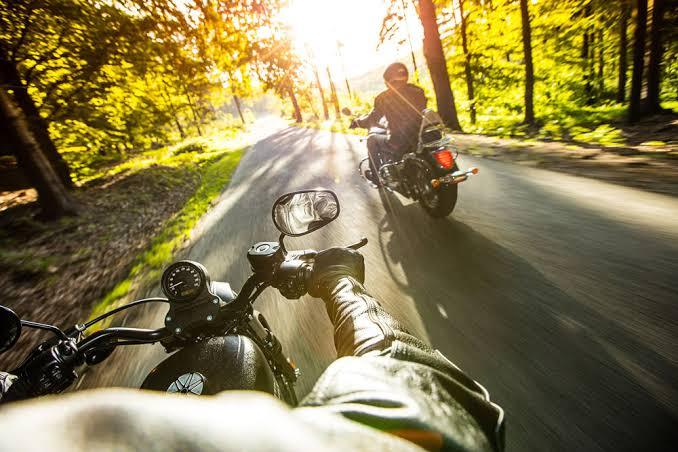 Fallece adolescente motociclista tras caída en Asientos