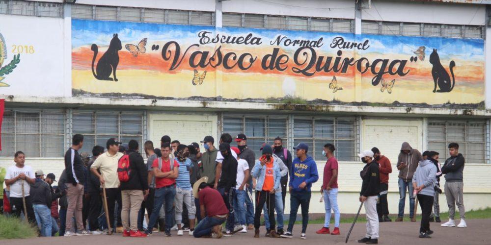 Analizan en Michoacán cierre de la normal de Tiripetío