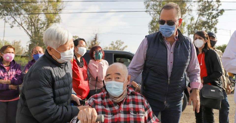 Vacunación es un tema de humanidad y no político; critica Orozco a la federación