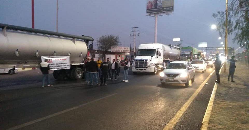 Se deslinda Canacar de bloqueos carreteros