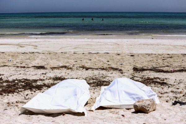 Mueren 39 migrantes africanos tras naufragios