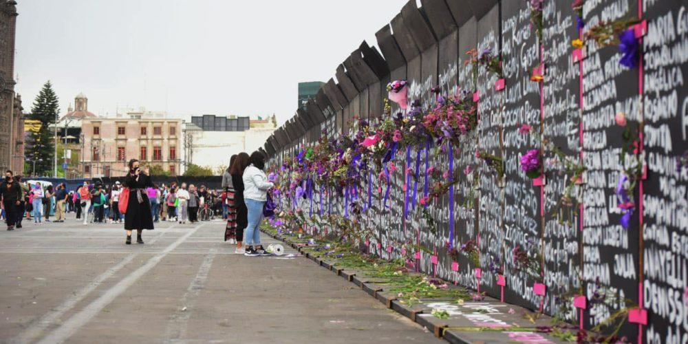 Convierten vallas en memorial de víctimas de feminicidio