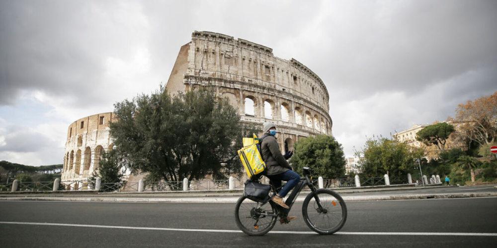 Italia vuelve al confinamiento por nueva ola de Covid-19