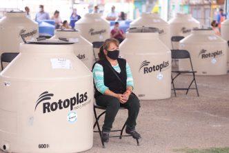 Municipio de Aguascalientes entrega tinacos y cisternas