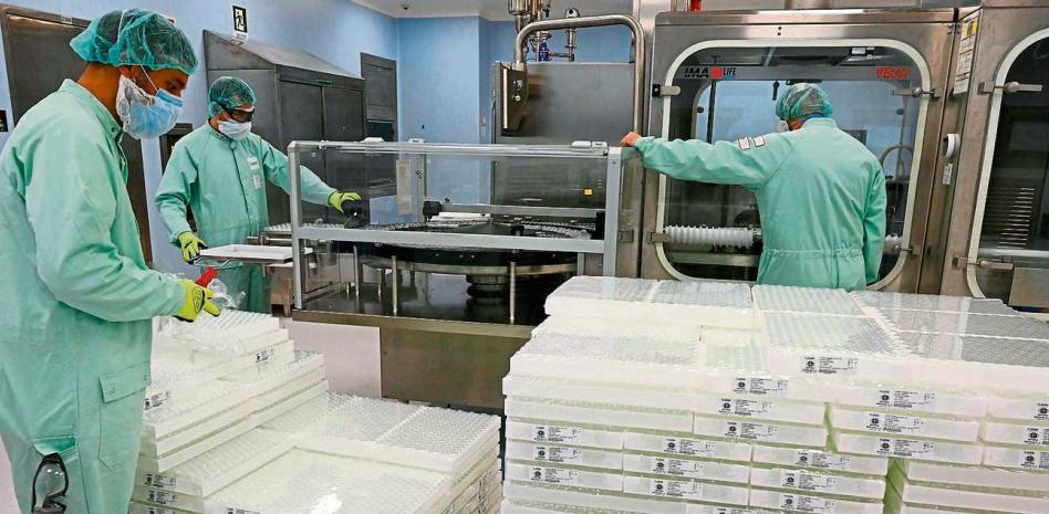 Hallan 29 millones de vacunas de AstraZeneca escondidas en almacén de Italia