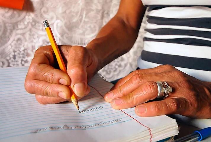 Se reduce número de adultos egresados en el INEA Aguascalientes