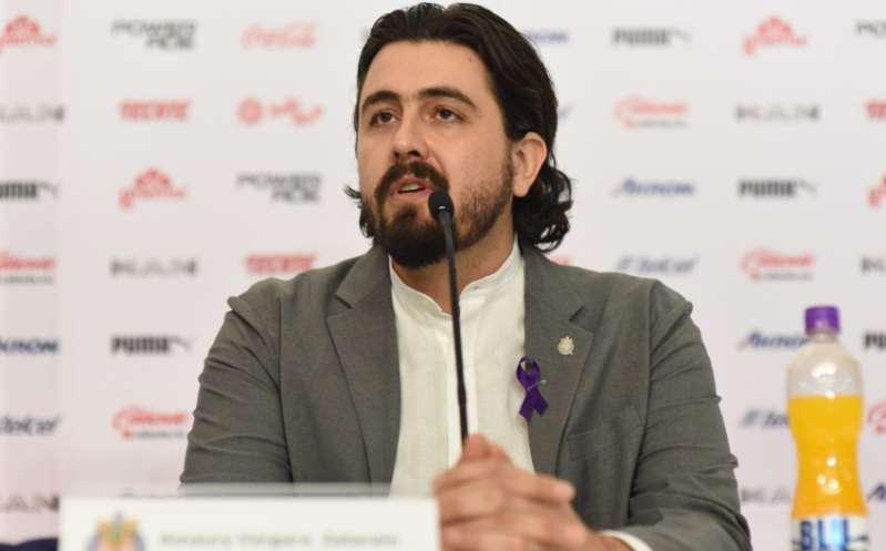 Amaury Vergara ofrece disculpas a afición de Guadalajara tras perder el Clásico