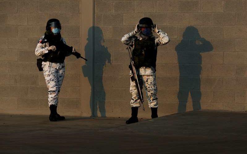 Criminales emboscan y asesinan a 13 policías de Edomex