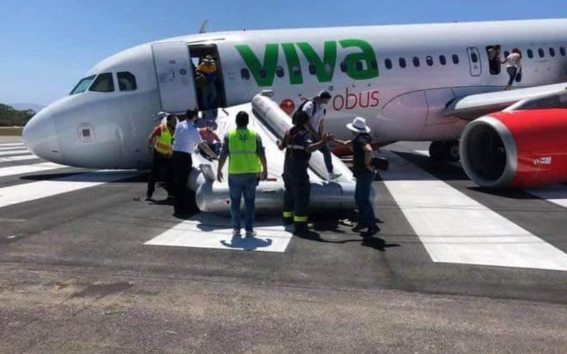 (Video)Avión falla al despegar y se va de 'nariz' en el aeropuerto de Puerto Vallarta