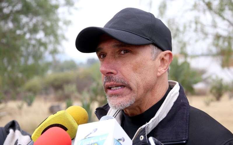 Sergio Mayer acusa a modelo de haber abusado de su hijo