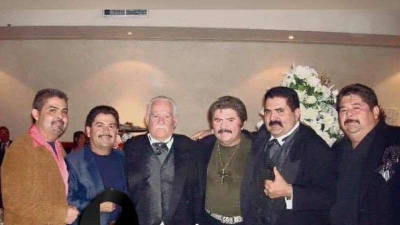 Fallece el cantante norteño  Eliseo Robles
