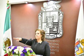 """Ofrece López Ortiz """"redoblar esfuerzos"""" al asumir como alcaldesa de Aguascalientes"""