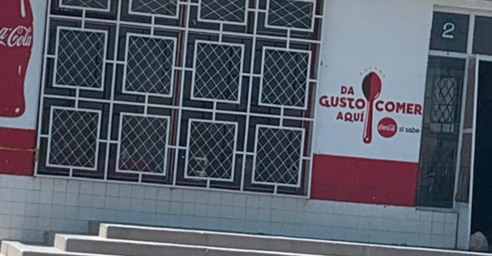 Sicarios balean restaurante en Encarnación de Díaz