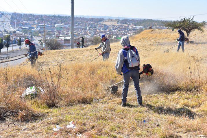 Municipio realiza brigadas de limpieza en Pensadores Mexicanos
