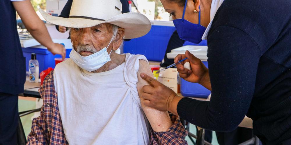 Aplicarán segundas dosis contra Covid-19 este miércoles en Pabellón de Arteaga