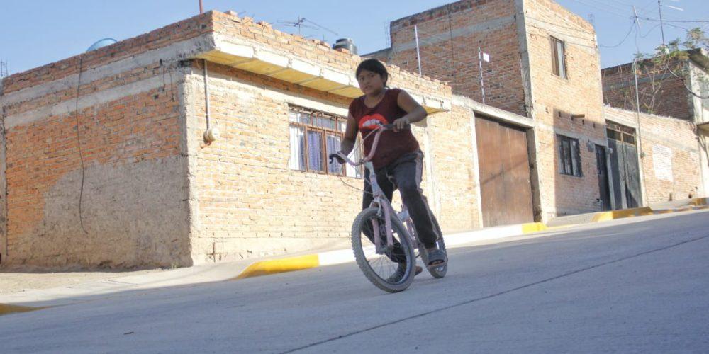 Equipan calles de la colonia La Loma en JM