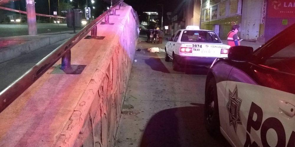 Hombre bebía alcohol, sufrió una caída y murió en Aguascalientes